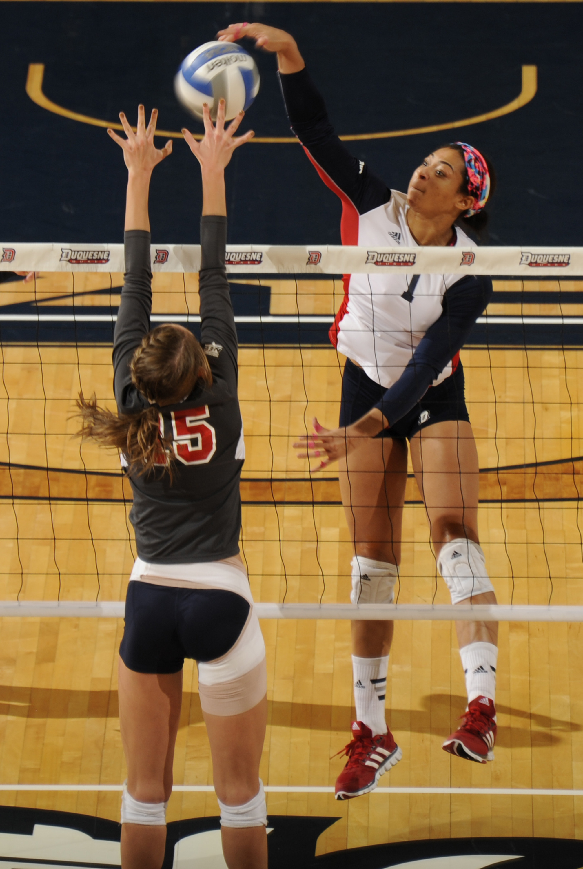 Arielle Love recorded her 1,000 career kill on Sunday