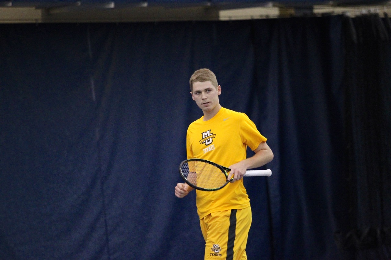 Junior Nick Dykema picked up a singles win on Sunday afternoon.