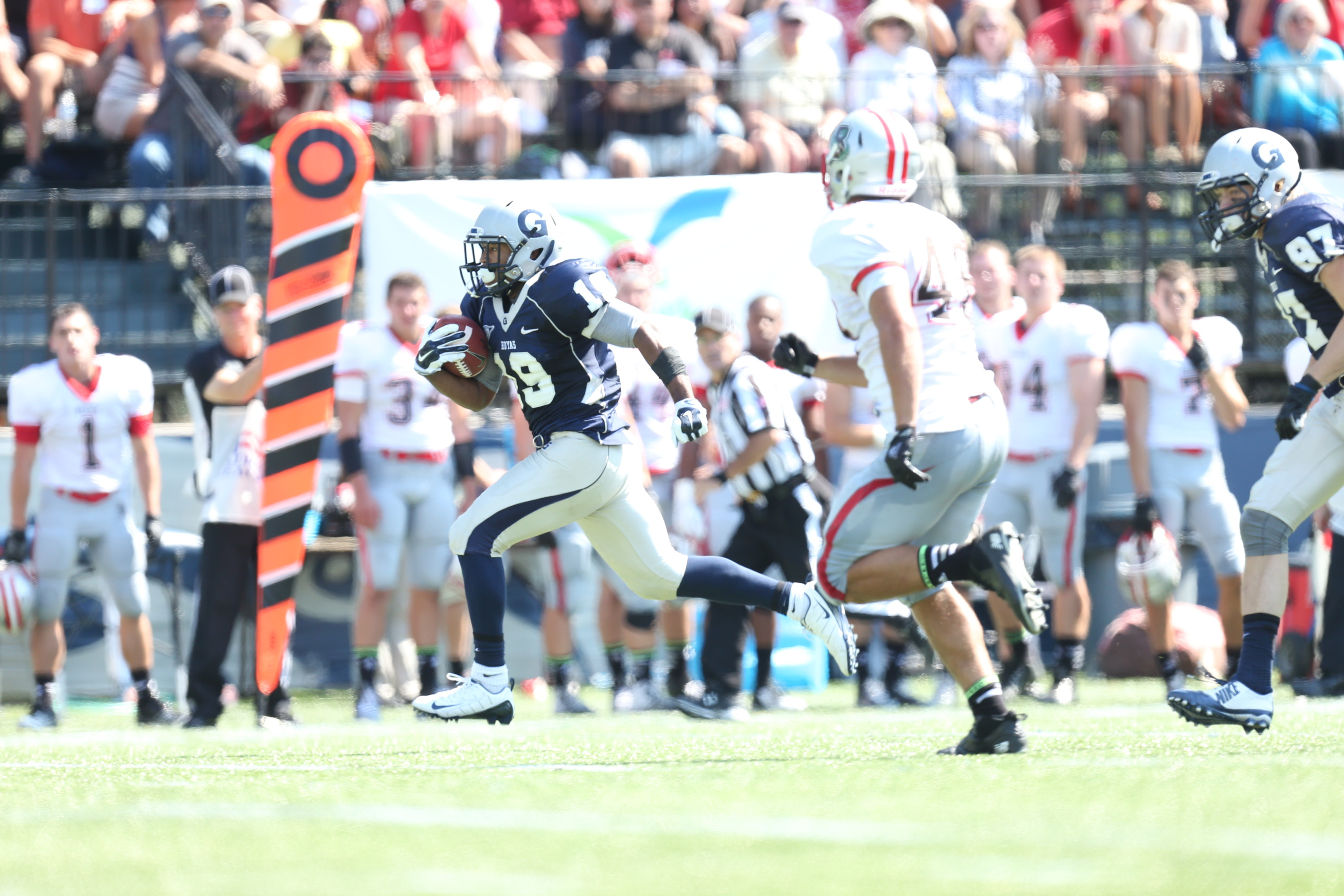 Daniel Wright scored on a 57-yard touchdown rush against Brown.