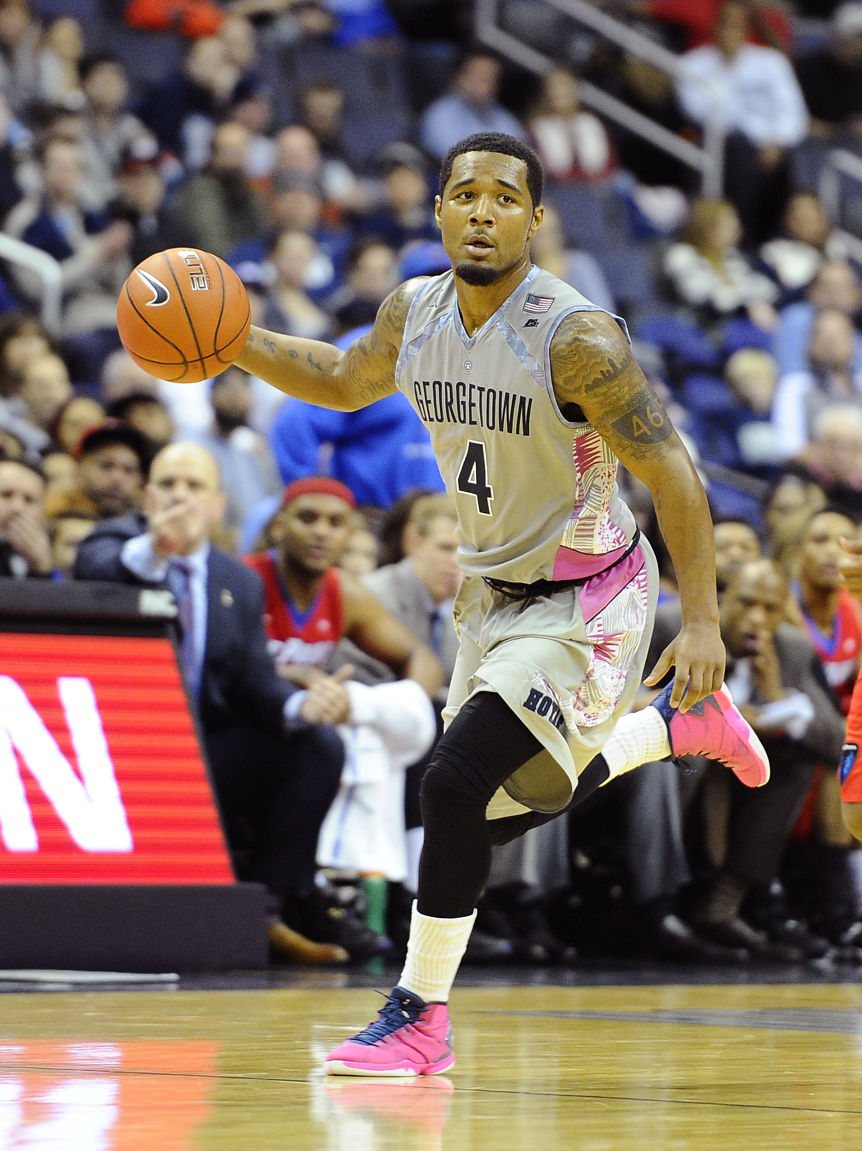 Georgetown University senior men's basketball player D'Vauntes Smith-Rivera was selected to the BIG EAST Weekly Honor Roll on Monday.  It is the second-straight appearance on the Weekly Honor Roll and his third this season.