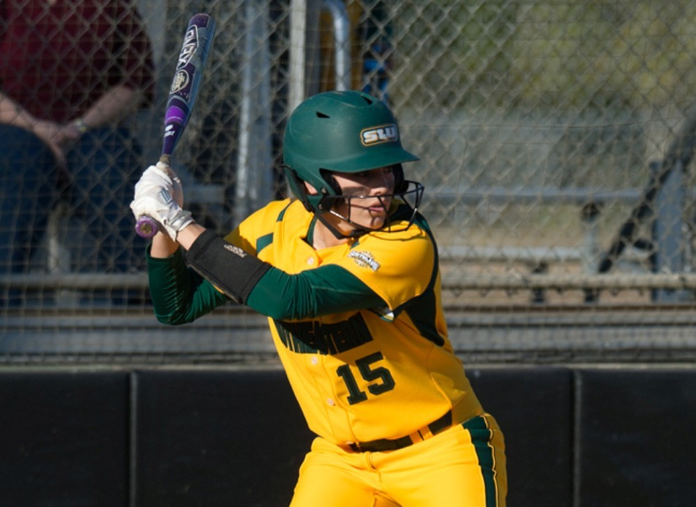 Southeastern Closes Lion Classic With Two Victories