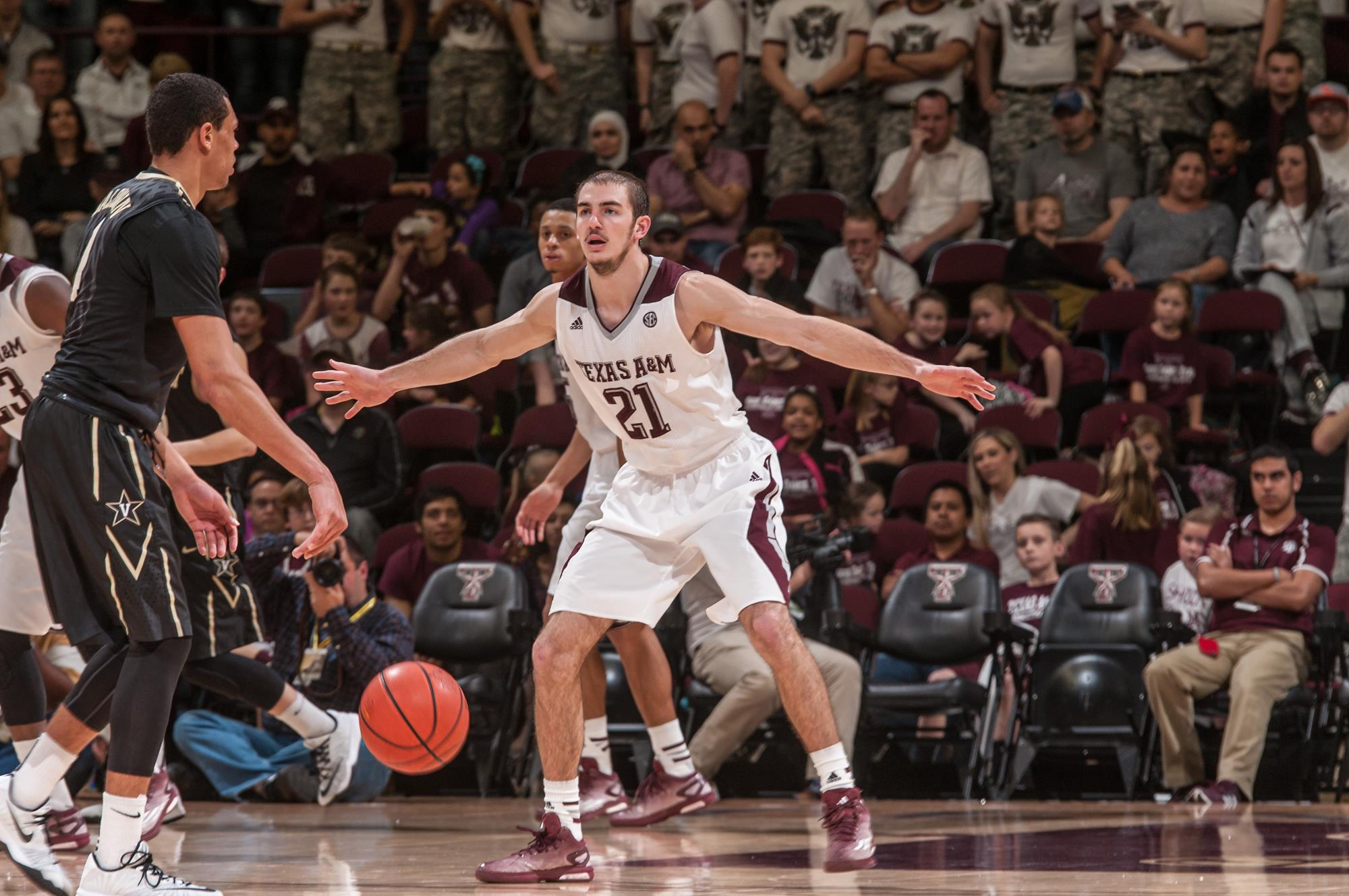 alex caruso - men's basketball - texas a&m university athletics