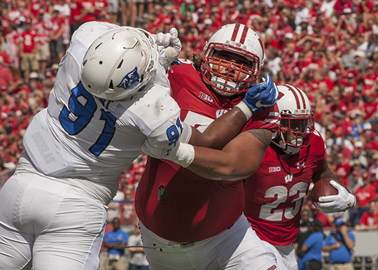 micah kapoi 2018 football roster wisconsin athleticsimage 3
