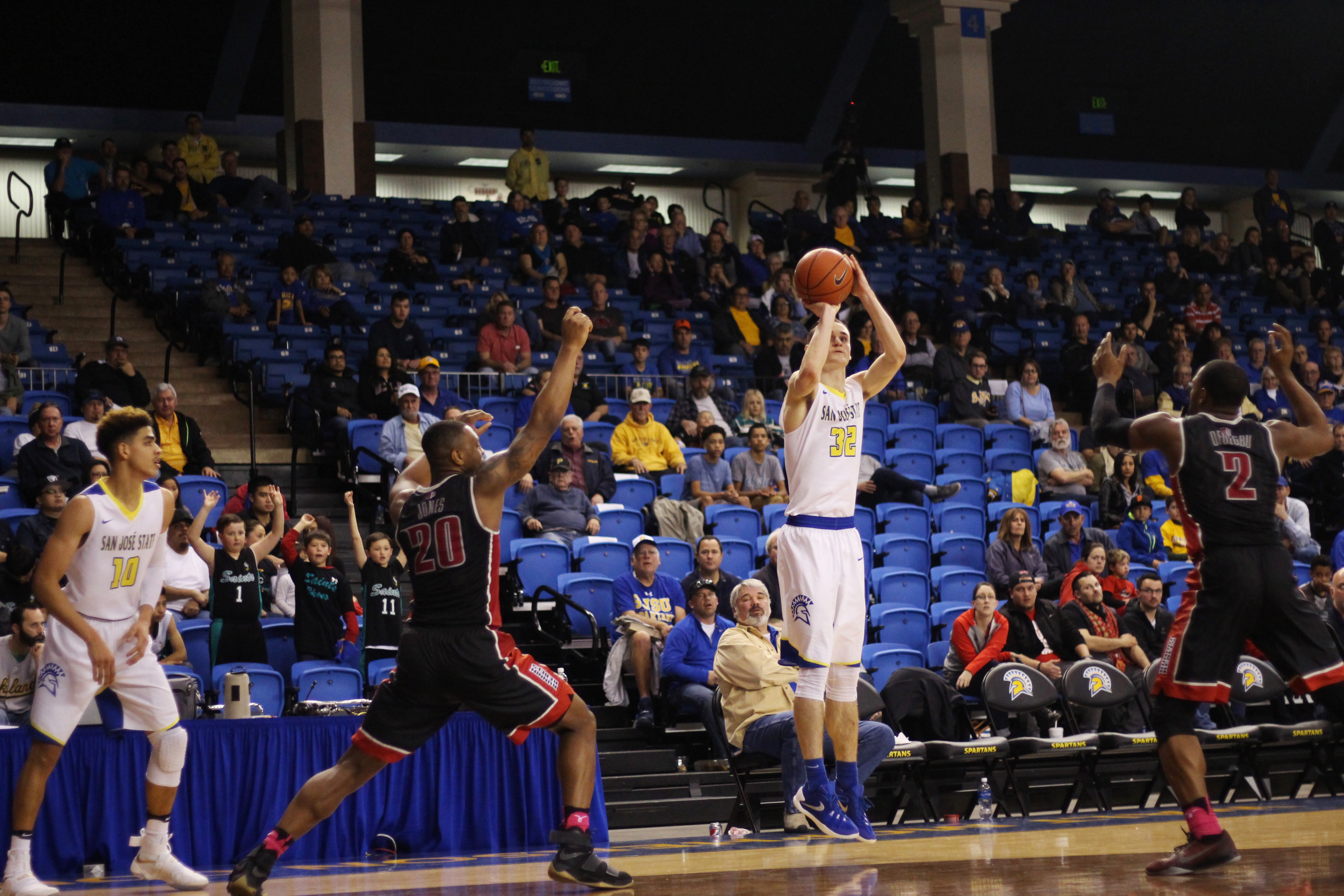 Ryan Welage was 4-of-6 from downtown and scored a team-high 20 points.