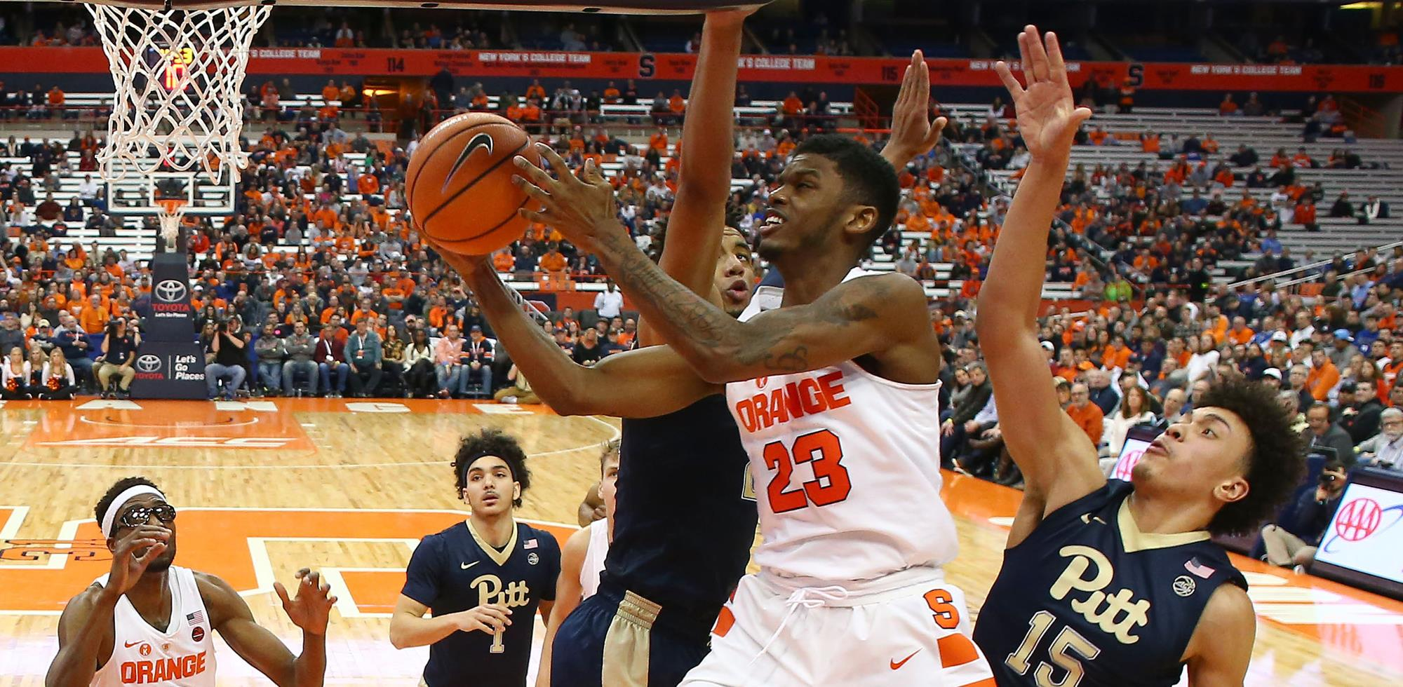 Howard Sparks Orange Late Push To Victory Syracuse University
